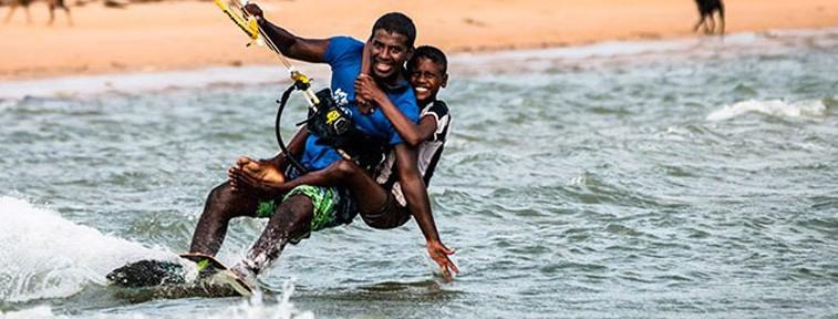 Learn kitesurf in Sri Lanka !