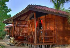 Lagoon bungalow with open air bathroom