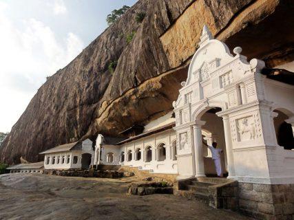 temples-dambulla-caves-sri-lanka