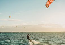 WINDSURF vs. KITESURF