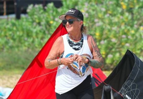 older lady kitesurf