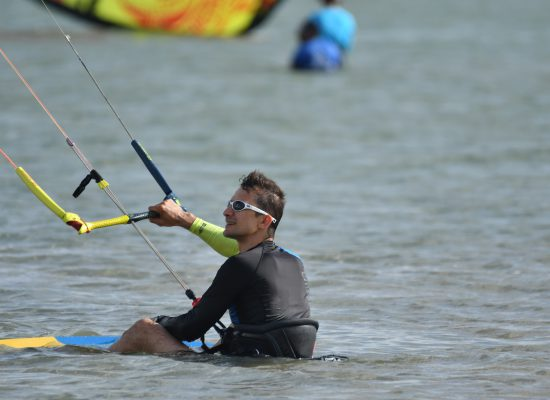 The kiteboard waterstart is crutial for your kitesurfing progression