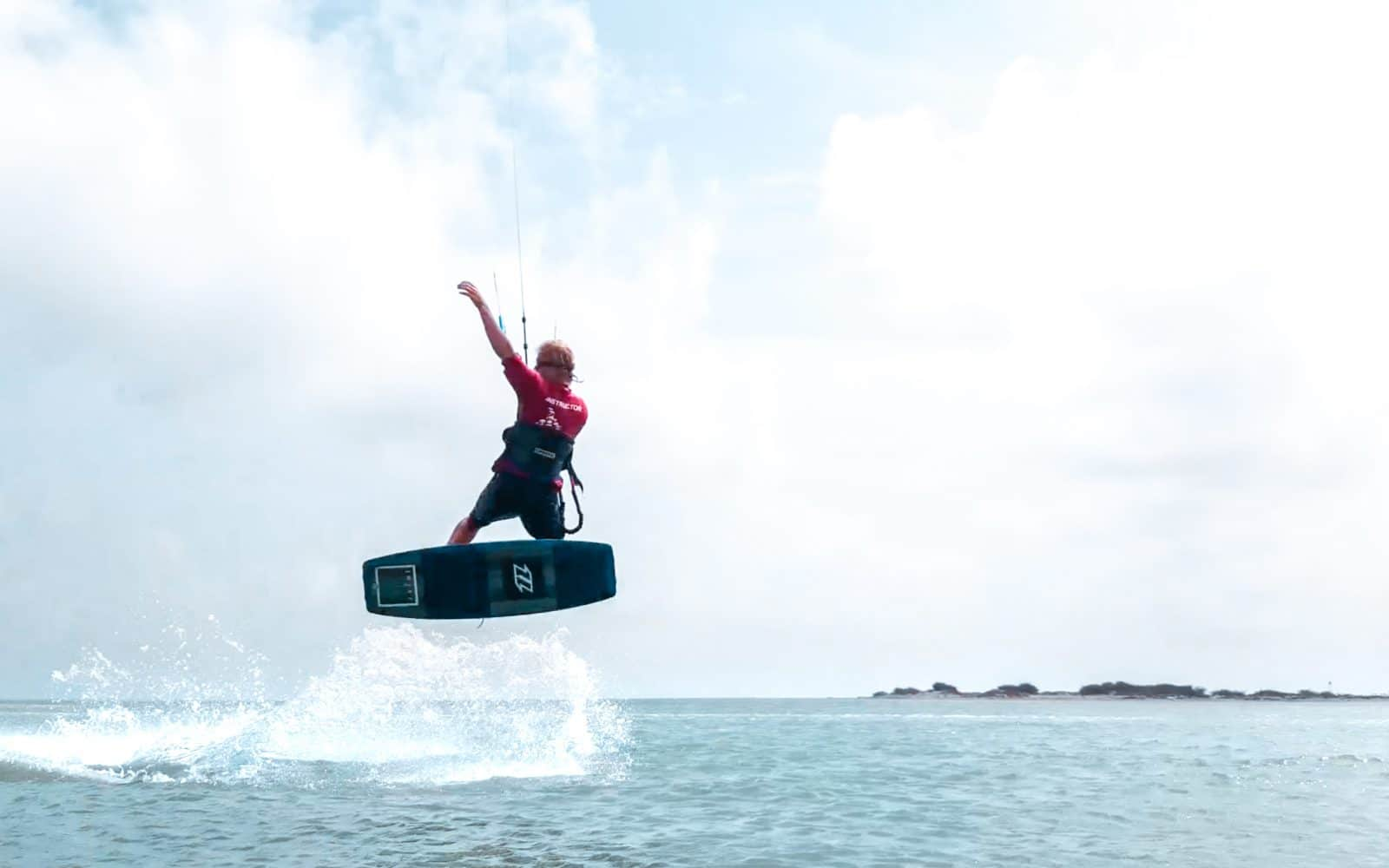 Inverted front roll - a step by step guide to mastering this kitesurfing trick 4