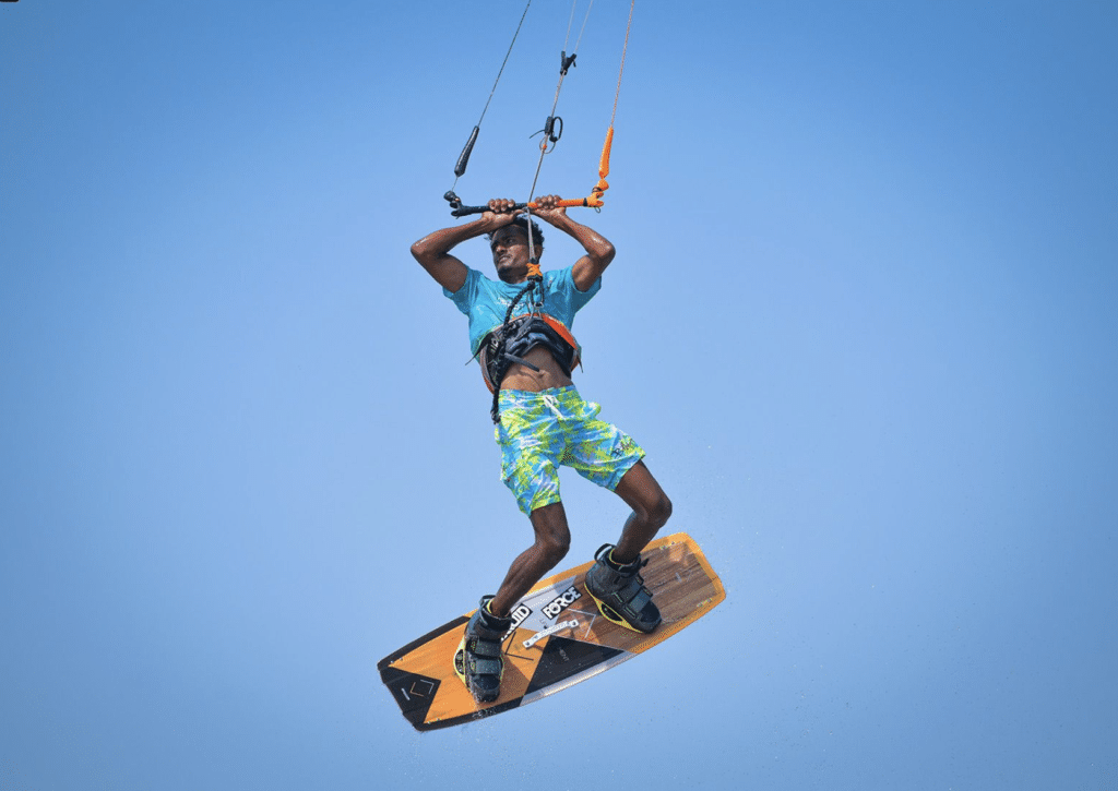learn to kitesurf - airtime and jumps kiteboarding