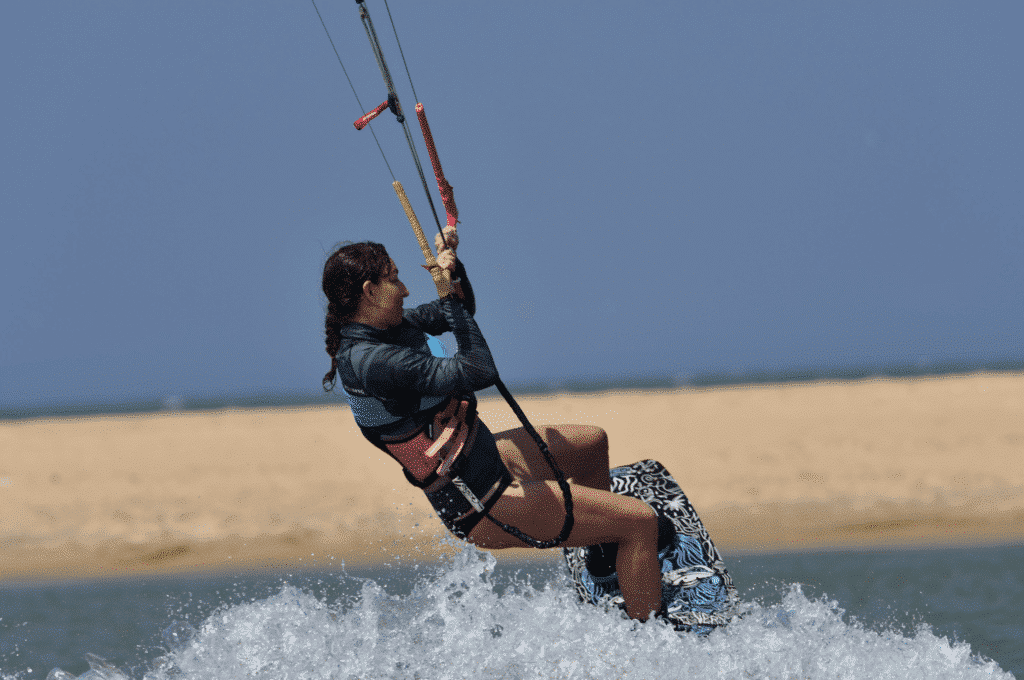learn to kitesurf in sri lanka - first jumps kitboarding in a kiteschool