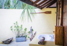 Kalpitiya lagoon bungalow bathroom